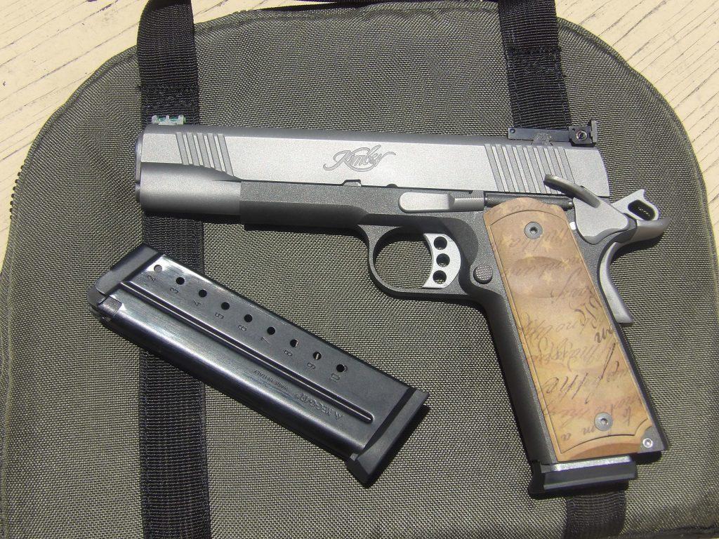 Gun on Case left